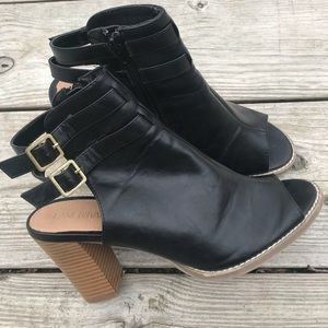 "LANE BRYANT EUC Sandals Sz 10 3"" Block Heel"